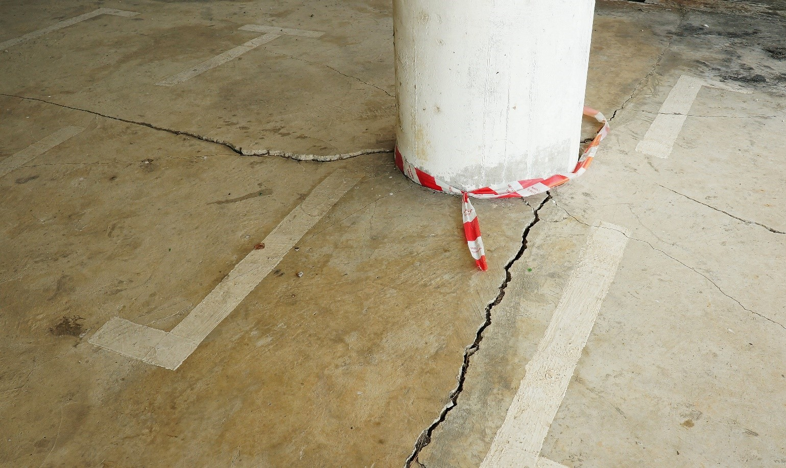 Concrete Floors Develop Cracks And Repairing Fixes