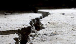 Concrete repair product epoxy fixes voids